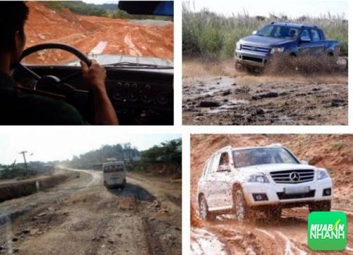 Kinh nghiệm lái xe an toàn qua đường bùn lầy